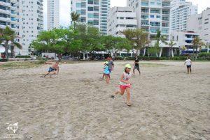 Día de deportes en la playa